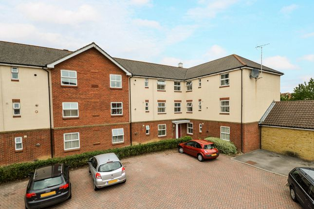 2 bed flat for sale in Angus Drive, Ashford, Kent