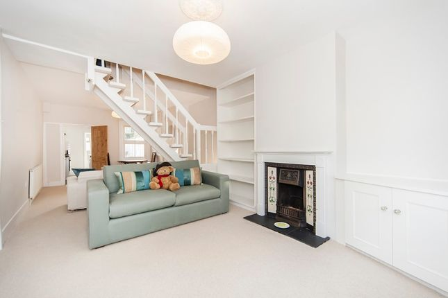 2 bed cottage to rent in Princes Road, Richmond