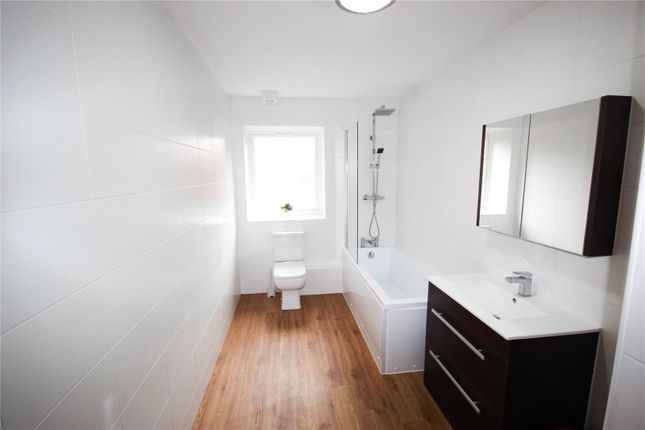 Bathroom of Crecy Court, 10 Lower Lee Street, Leicester LE1