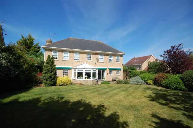 Back View House of Mallow Walk, St James Parish, Goffs Oak EN7