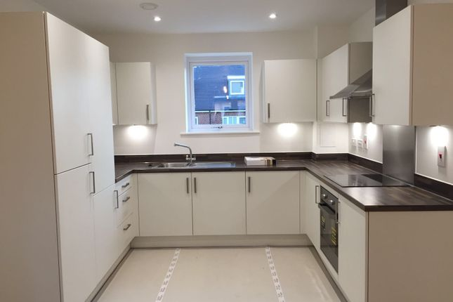 Thumbnail Flat to rent in Hunting Place, Hounslow