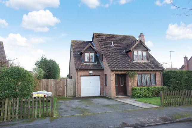 4 bed detached house for sale in Dellfield, Oakley, Hants