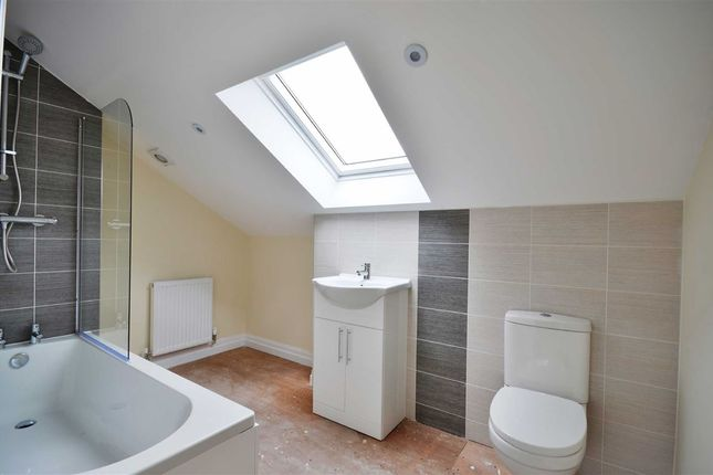En Suite of Warrington Road, Platt Bridge, Wigan WN2