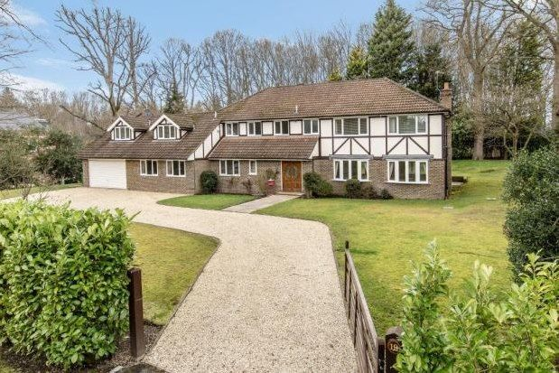Thumbnail Property to rent in Albany Close, Esher