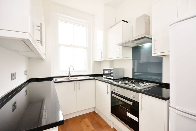 Thumbnail Flat to rent in Vauxhall Bridge Road, Westminster