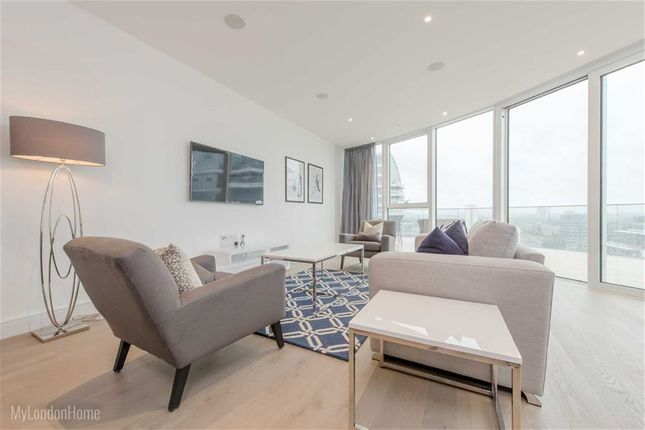 Thumbnail Flat to rent in Pinnacle House, Wandsworth, London