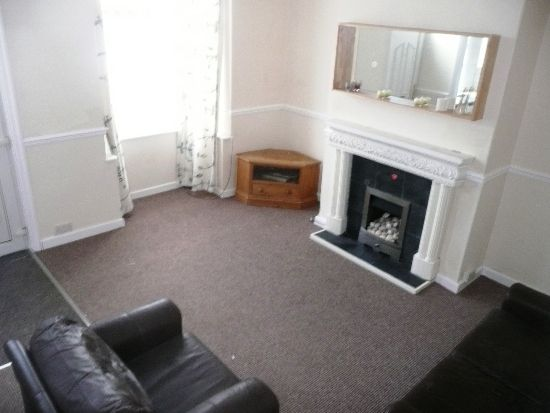 Thumbnail Terraced house to rent in Brooklyn Place, Armley, Leeds