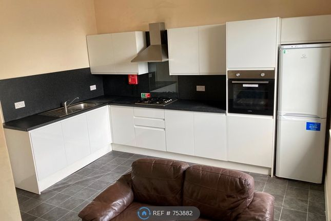 4 bed flat to rent in Viewfield Street, Stirling FK8
