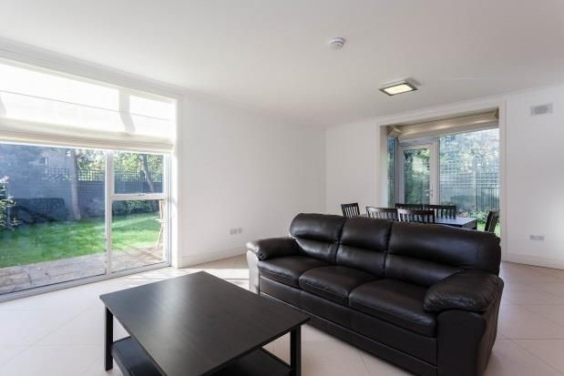 Thumbnail Terraced house to rent in Amherst Road, London