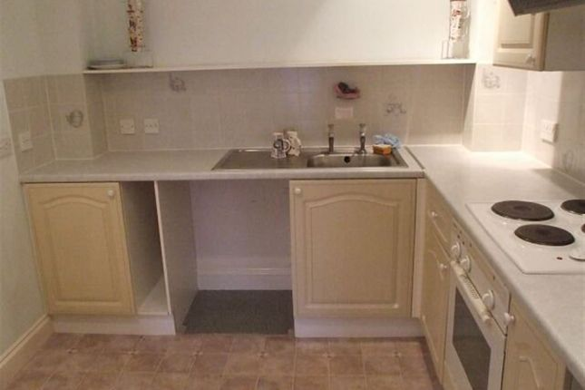 2 bed flat to rent in Sandpiper Court, Fort Hill, Margate
