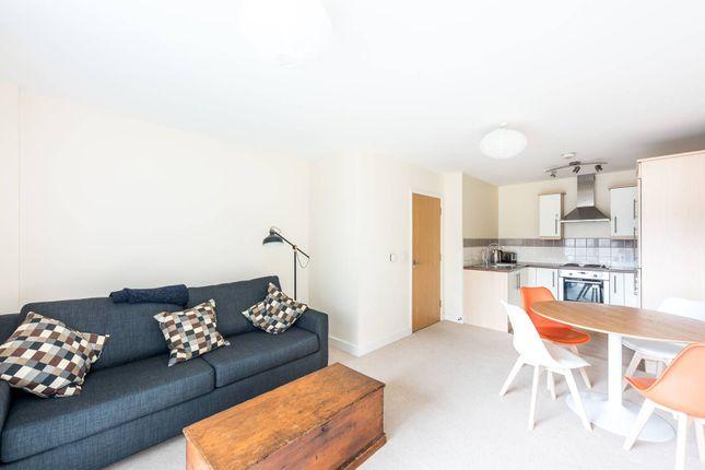 Thumbnail Flat to rent in Crecy Court, Kennington