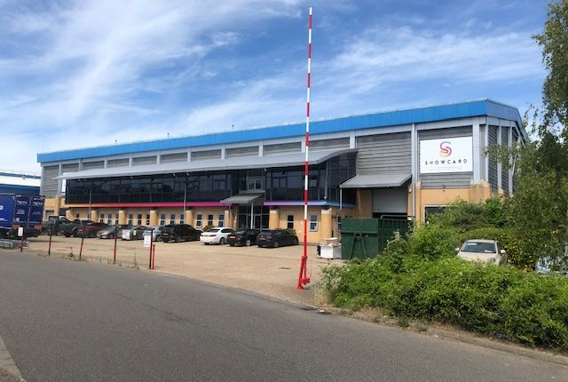 Thumbnail Warehouse to let in Avenue One, Letchworth