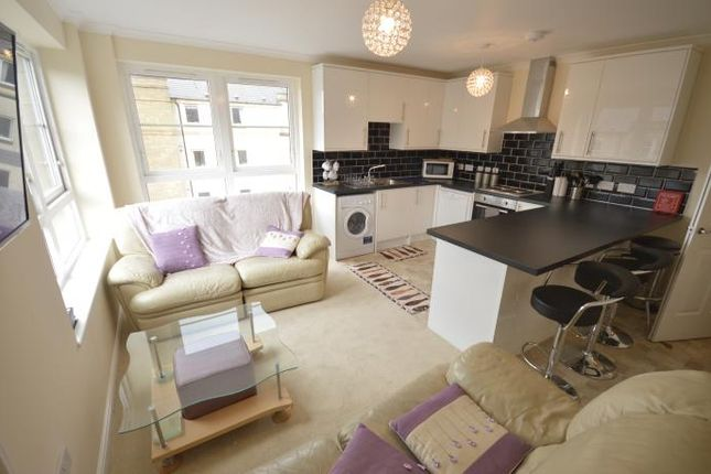 Thumbnail Flat to rent in Dicksonfield, Edinburgh