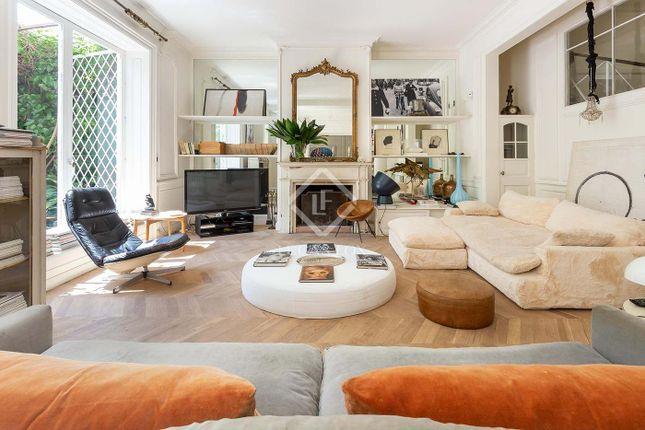 Thumbnail Villa for sale in Spain, Barcelona, Barcelona City, Sant Gervasi - La Bonanova, Bcn18386