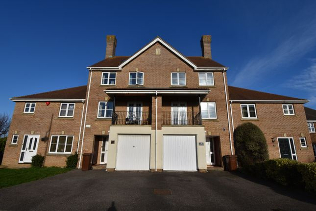 4 bed town house to rent in Sallow Close, St. Marys Island, Chatham ME4