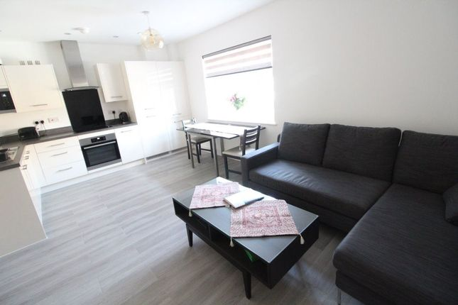 Thumbnail Flat to rent in Kimpton Road, Luton