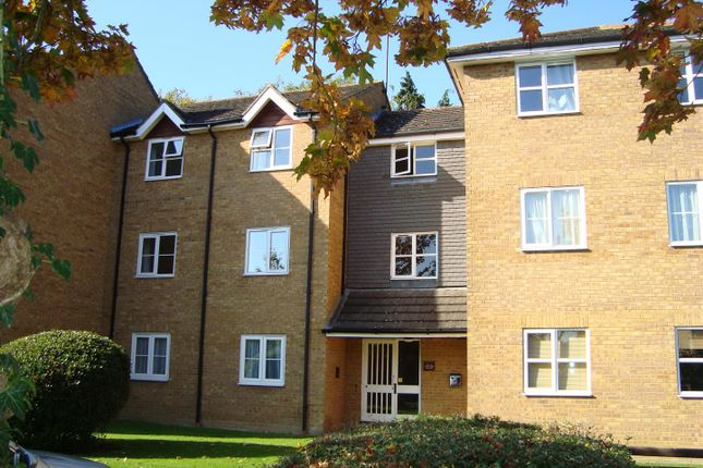 Thumbnail Flat to rent in Tennyson Avenue, Houghton Regis, Dunstable