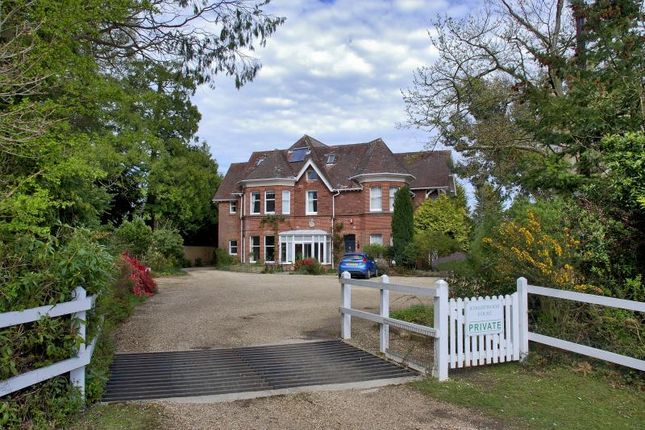 Thumbnail Maisonette to rent in Brockenhurst, Hampshire