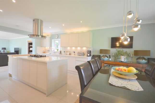 Thumbnail Detached bungalow for sale in Summerlay Close, Kingswood, Tadworth