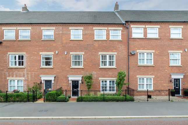 Thumbnail Town house for sale in Featherstone Grove, Great Park, Newcastle Upon Tyne