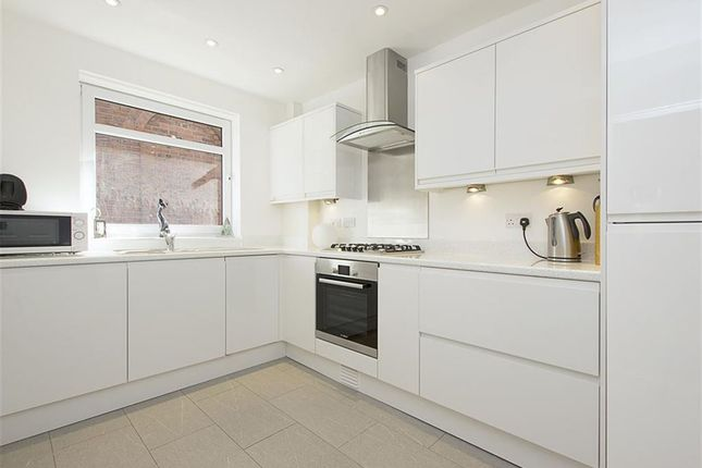 Thumbnail Flat for sale in Bellevue Lodge, Chingford, Chingford