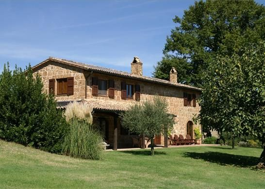 4 bed farmhouse for sale in 01021 Acquapendente Province Of Viterbo, Italy