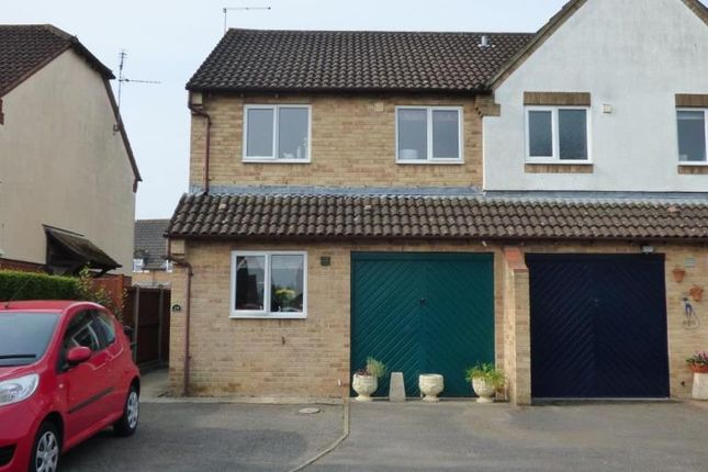 Thumbnail Property to rent in Sandpiper Close, Quedgeley, Gloucester