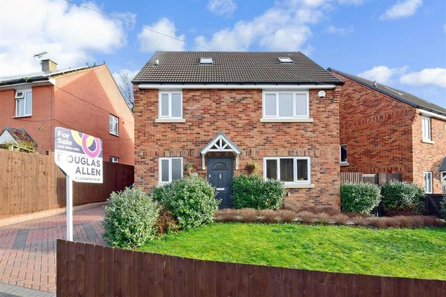 Thumbnail Detached house for sale in Yardley Lane, Chingford, London