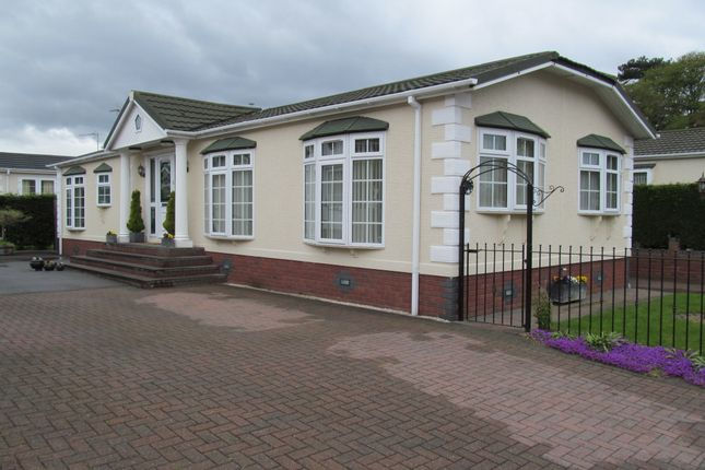 Mobile/park home for sale in Lower Lodge Park (Ref 5286), Armitage, Rugeley, Staffordshire