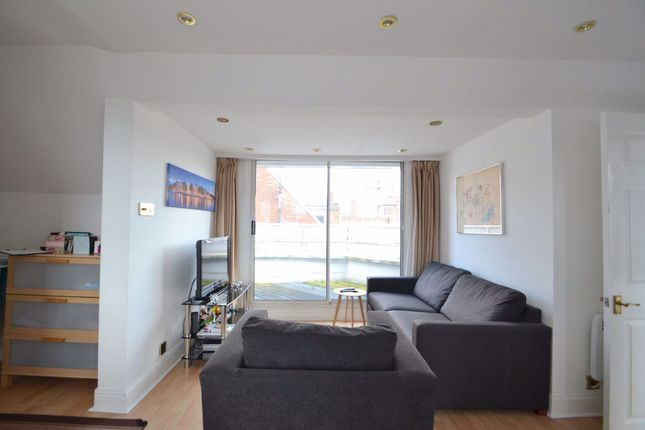 Thumbnail Flat to rent in Porter Street, London
