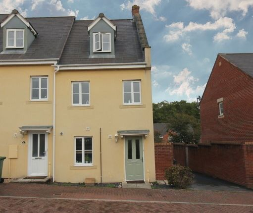 Thumbnail End terrace house to rent in Norman Mews, Exeter