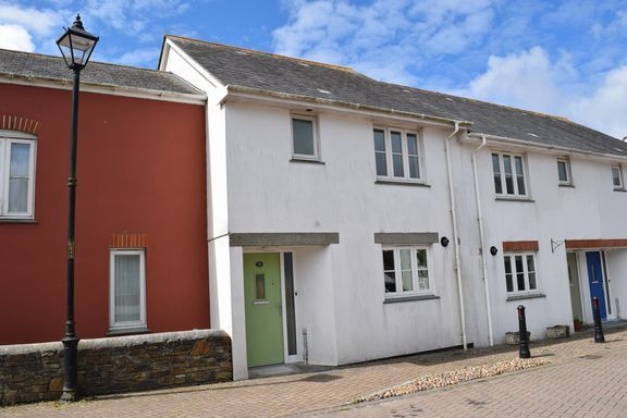 Thumbnail Terraced house for sale in Gweal Pawl, Redruth