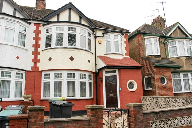 Thumbnail Shared accommodation to rent in The Drive, Bounds Green, London