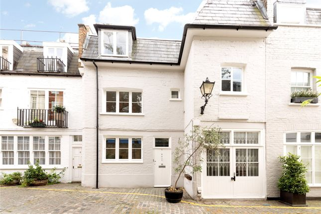 3 bed mews house to rent in Kynance Mews, South Kensington, London SW7