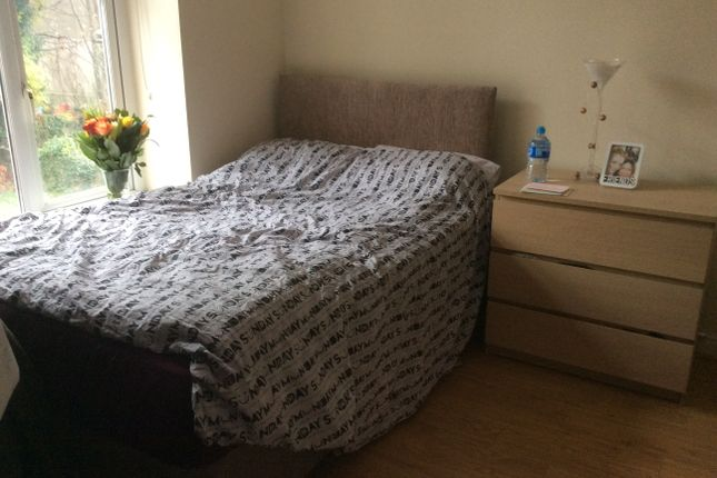 Thumbnail Flat to rent in Gordon Road, Cardiff