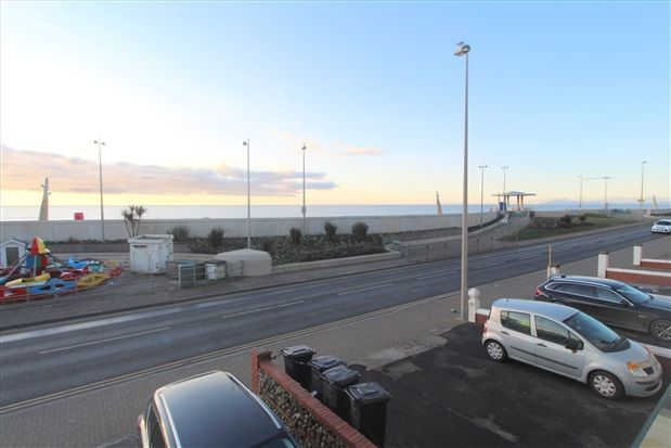 Property Views of North Promenade, Thornton-Cleveleys FY5