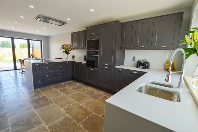 Thumbnail Detached house for sale in Wawne, Hull