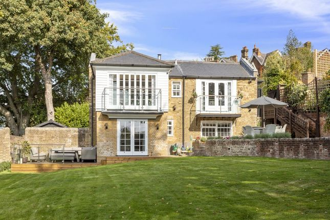 Thumbnail Detached house to rent in Castle Hill, Guildford