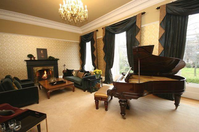 Thumbnail Town house to rent in Lansdowne Crescent, Edinburgh