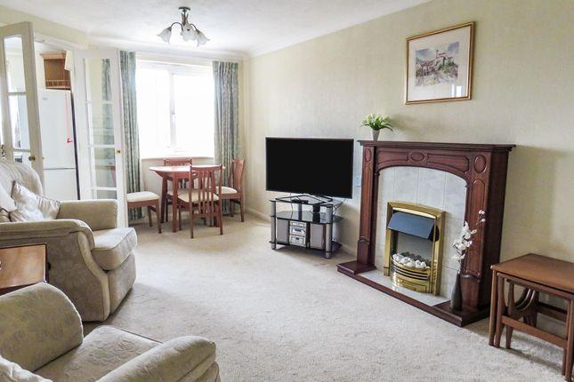 1 bed flat to rent in Hamilton Court, Lammas Walk, Leighton Buzzard LU7