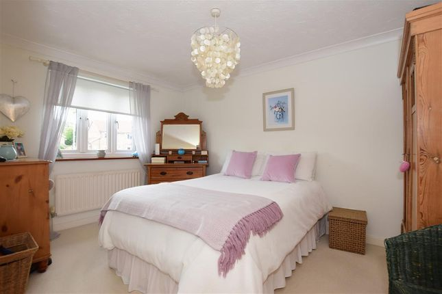 Thumbnail Flat for sale in Westminster Gardens, London