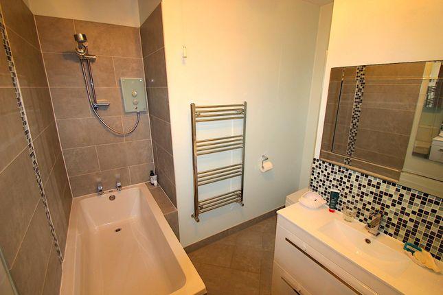 Family Bathroom of Meadhurst Road, Western Park, Leicester LE3