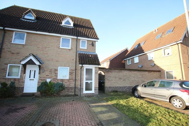 Thumbnail Maisonette for sale in Yew Tree Road, Attleborough