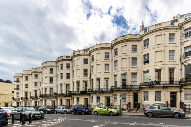1 bed flat for sale in Brunswick Place, Hove BN3