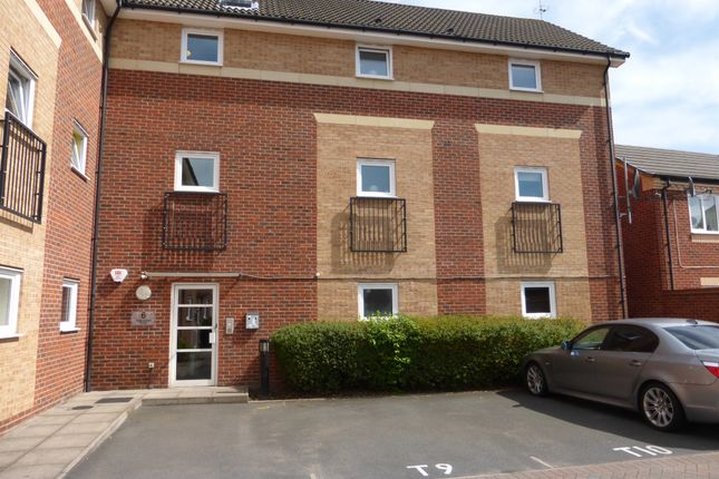 Thumbnail Flat for sale in Torrent Close, Wilnecote, Tamworth