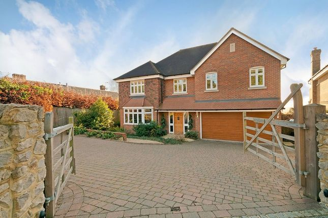 Thumbnail Detached house for sale in Chart Road, Sutton Valence, Maidstone