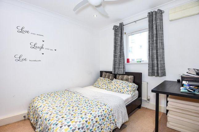 Bedroom of Bracknell, Berkshire RG12