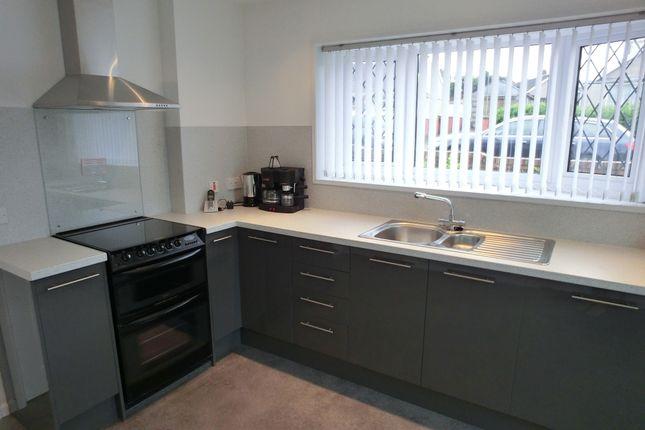 Thumbnail Bungalow to rent in Lon Brynawel, Llansamlet, Swansea.