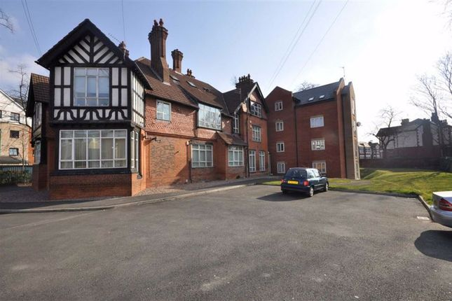 Thumbnail 3 bed flat to rent in Hope Road, Manchester