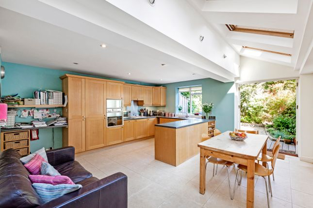 Thumbnail Terraced house for sale in Bennerley Road, London
